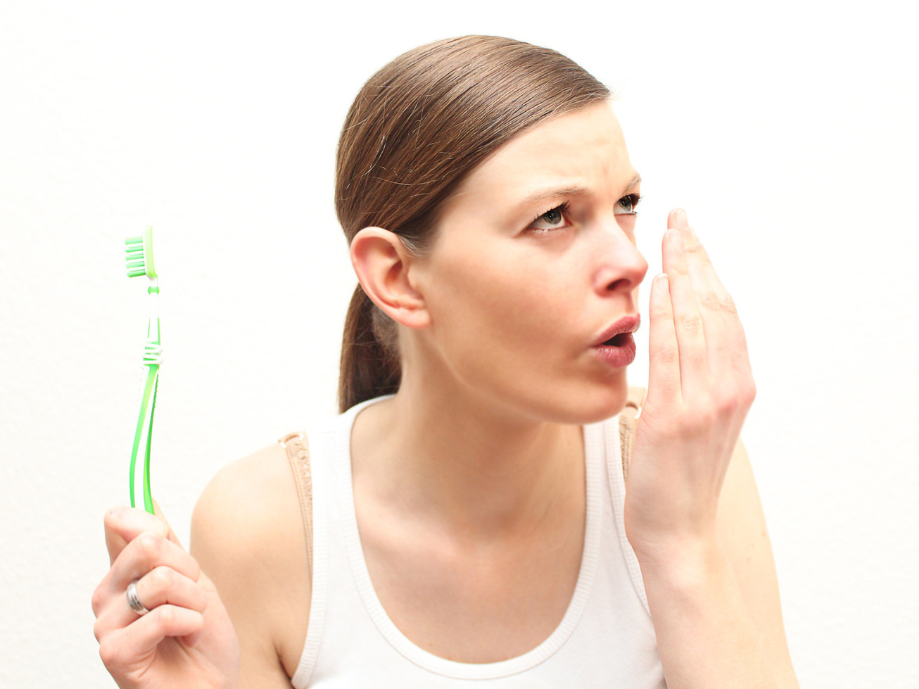 歯磨きで消えない口臭