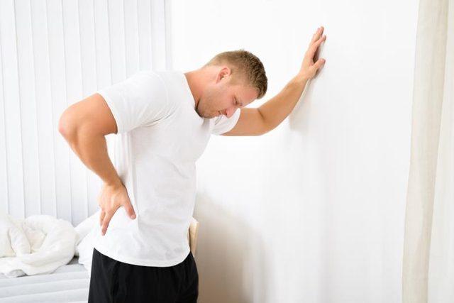 痔で性欲や精力が減退し、勃起力も落ちる